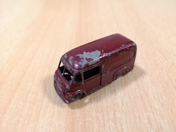 MATCHBOX COMMER 30 CWT VAN NESTLE 1959 ENGLAND