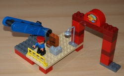 LEGO DUPLO 5609 NÁKLADNÍ NÁDRAŽÍ DOPRAVNÍK PÁS